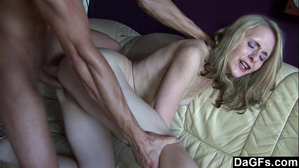 Skinny blonde gets fucked and jizzed Thumb
