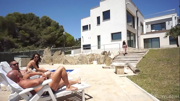 Blonde Can't Resist Anal Fucking By The Pool