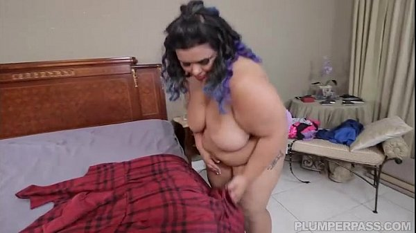 Beautiful Exotic Bbw Charlene Ward Catches And Gets 1