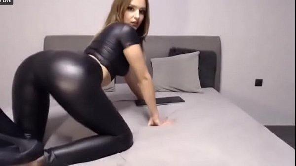Super Hot Babe Loves To Tease and Shake Her Ass on Cam - CamGirlsUntamed.com