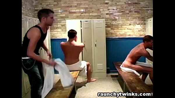 Hot threeway fuck in a locker room