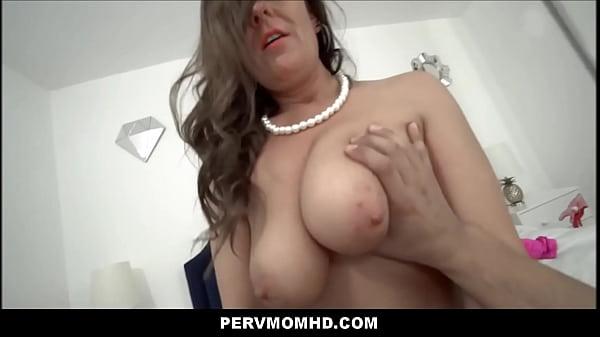 Big Ass Big Tits MILF Aunt Elexis Monroe Family Sex With Nephew POV