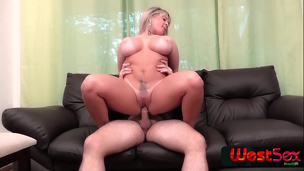 Amazing blondie with bug ass got a lot of cock there - Cibelle Mancinni - Frotinha Porn Star -  -  - Thumb