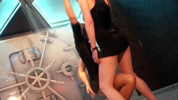 porno-podsmotr-zvezd-kino-rokko-trahaet-russkih