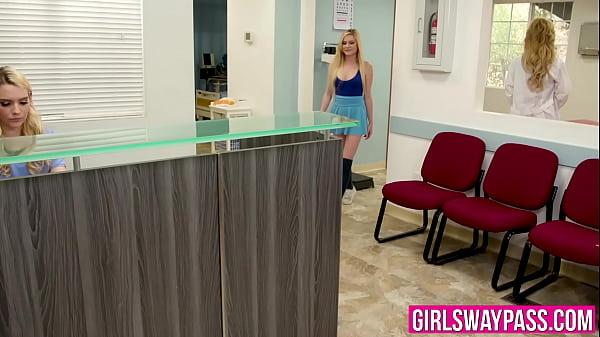 Секс видео вызвала лесби доктора на дом