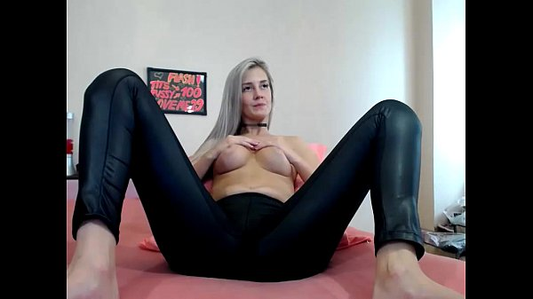Glamorous cousin show - sex video chats 24 Thumb
