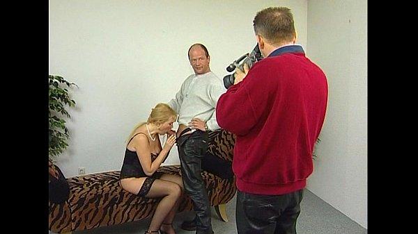 Отреть порно с переводом про трансвеститов