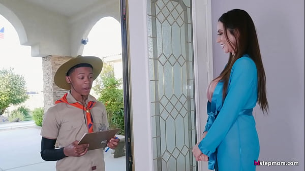 Super Hot Mature Ariella Ferrera takes Young Boy on his Safari Fantasy Thumb