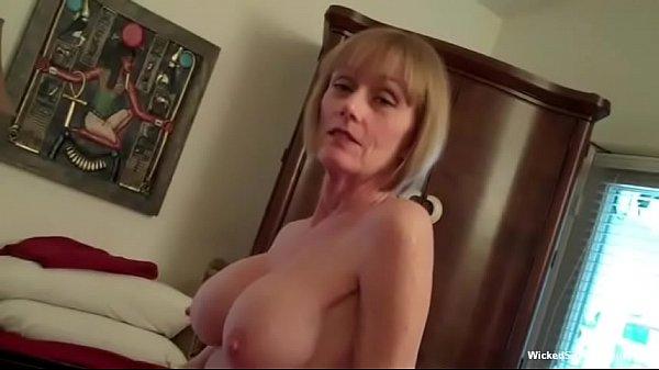 Русская мама дала трахнуть себя