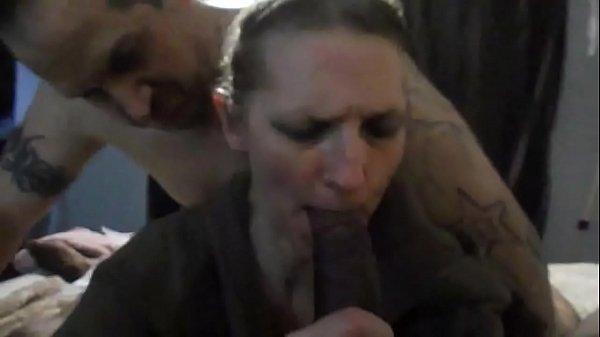 Porno matura moglie scopata mentre marito
