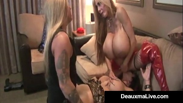 Busty Cougar Deauxma & Elizabeth Starr Fuck-Suck Tommy Gunn!
