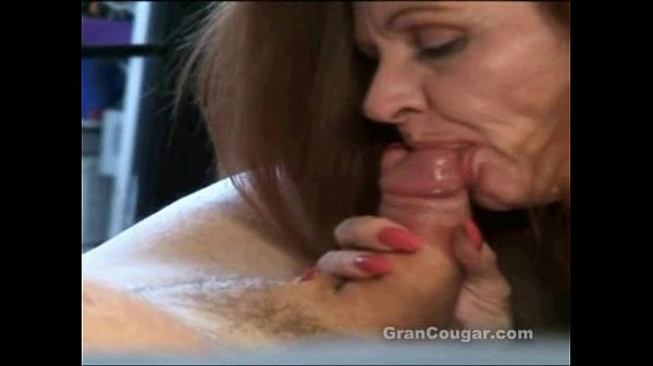 Old cougar sucking and fucking with her ancient pussy