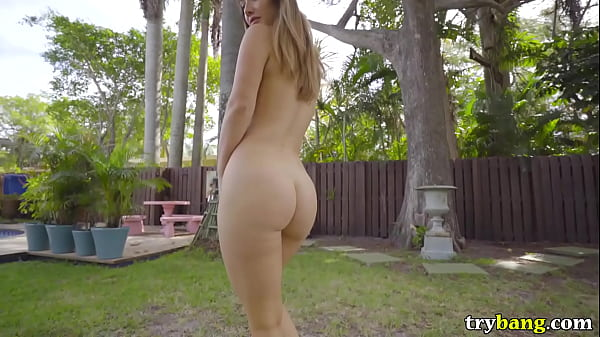Hot Babe Eva Lovia Returns to Miami for Ass Parade (ap15874) Thumb