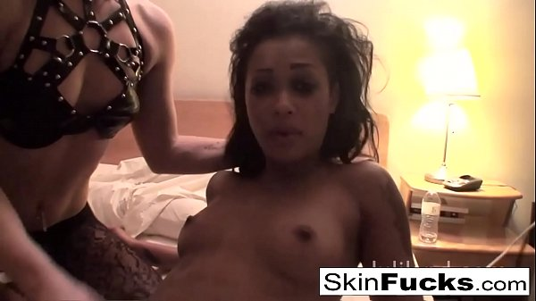 Hotel room fun with Ash Hollywood and Skin Diamond