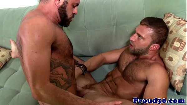 Muscle homosexual men oral and cumshot