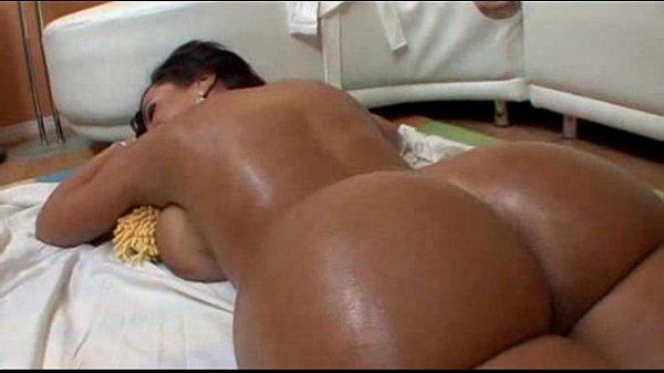 milfsonly.blogspot.com-A nice milf massage before the hardcore sex