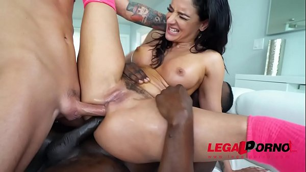 MUST SEE - Sheena Ryder takes on her 1st DAP EV...