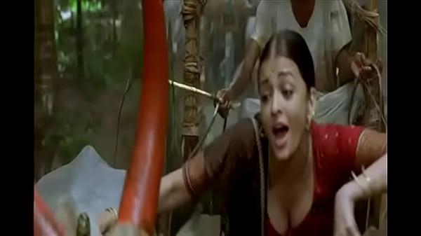 Aishwarya Rai boobs cleavage show in guru song Thumb