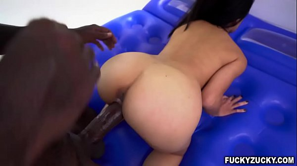Asian Masseuse Jackie Lin Gives A Happy Ending Massage