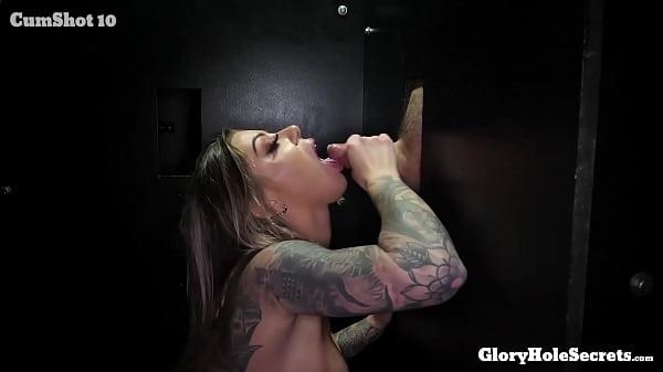 Foto porno moglie succhia sconosciuti cazzi