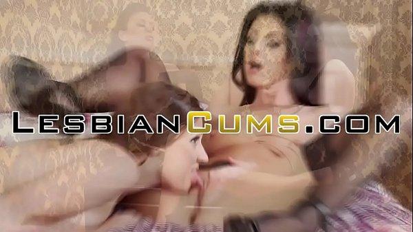 Подруга соблазнила подругу порно