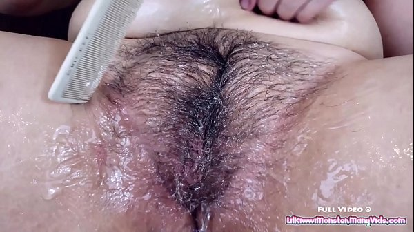 Толстушки бутылка в пизду видео