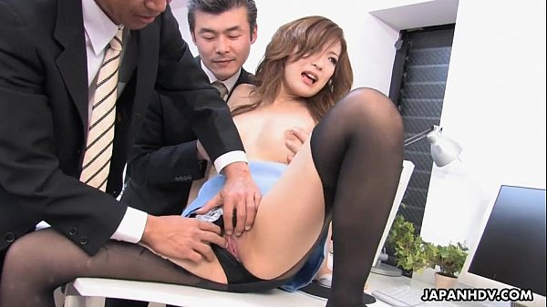 Aiko Nagal sucking off her new co-workers