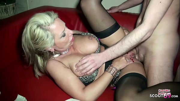 German Mom Fuck the Friend of her Son in his ne...