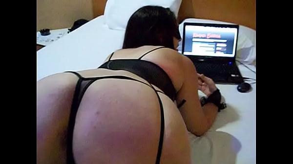 Raquel convidando os homens  para acessar seu site  www.raquelexibida.net Thumb