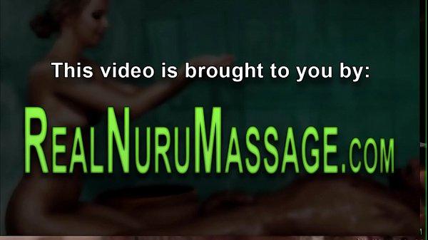 Папа порвал дочери целку порно видео