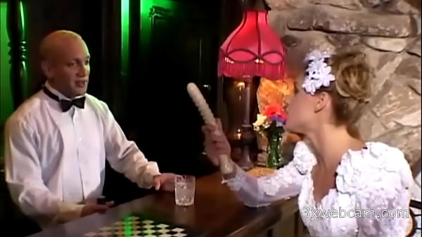 Lauren Phoenix fucks with the bartender in the ass at her own wedding Thumb
