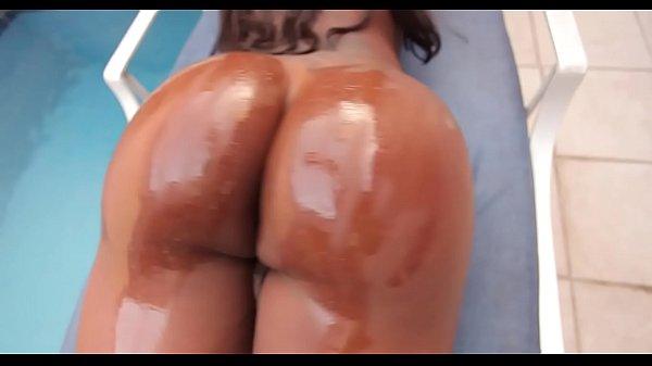 Порно большая грудь бюстгальтер маленький