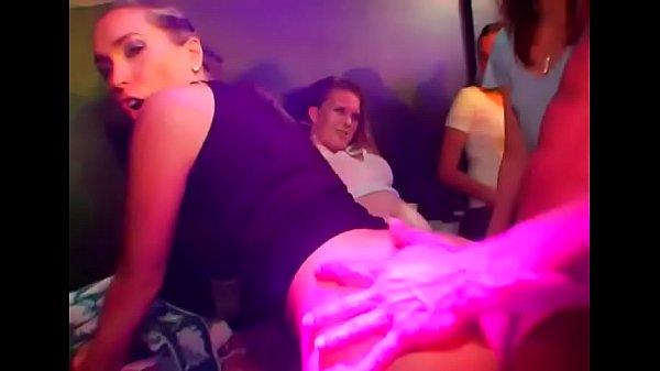 Просмотр груповое порно в клубе