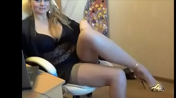 Busty milf on cam - Watch part 2 on getgirls.online Thumb