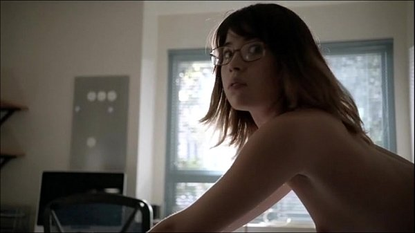 Nichole Bloom nude does doggy in Shameless Thumb