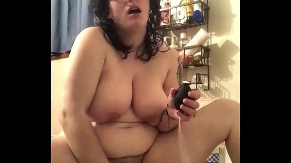 Nagymellű érett pornósztár - xxx videók ingyen