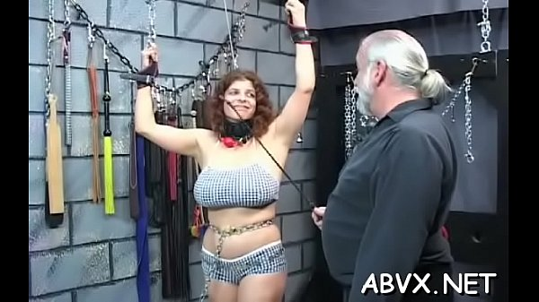 Tight slit extreme bondage in home xxx video Thumb