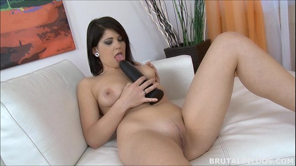 Chubby raven haired amateur cums on a thick black dildo Thumb