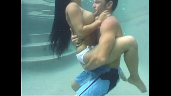 Mason Storm Starts To Fuck Underwater