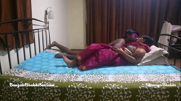 big ass mature indian bengali bhabhi with her tamil husband having rough bedroom sex Thumb