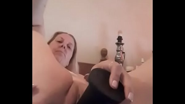 Chamo 1972: Blowjob Horny Sucking