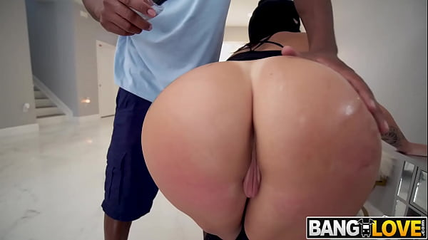 Lilith Morningstar Sexy Robber Gets Creampied Thumb