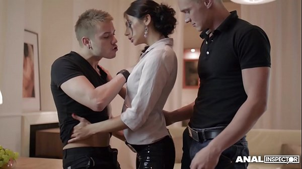 Anal inspectors fill Russian Anita Sparkle's mouth with for loads of cum Thumb