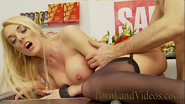 Stacey Saran get fucked in a shop Thumb