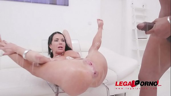 Veronica Avluv fisted by Lady Dee, assfucked by...