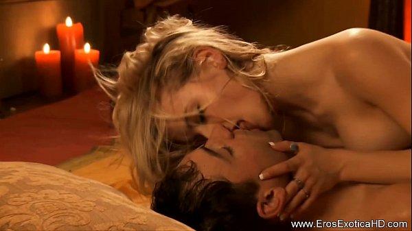 Молодые и горячие партнеры любят анальный секс