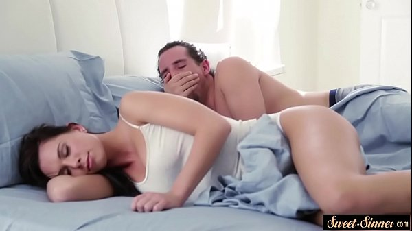 Спаслил за мастурбацией