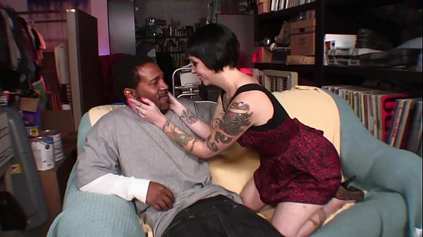 Girl With Tatoos Wants A Big Dick Inside Her!