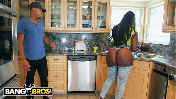 BANGBROS - Ricky Johnson Jams His Big Black Dick In Between Victoria Cakes's Cheeks