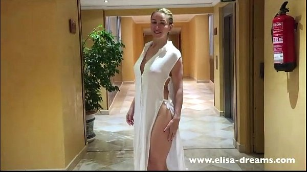 Flashing nude in the corridors of the hotel Thumb